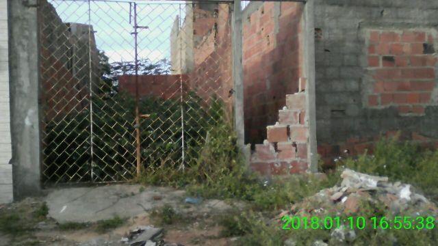 Terreno em construção