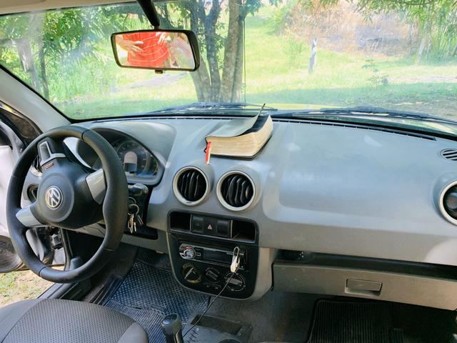 Carro pra troca por carro com carroceria - Foto 4