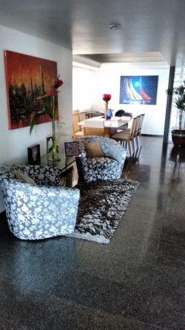 Apartamento em Boa Viagem, Queiroz Galvão, 4 quartos na melhor área da Avenida - Foto 8