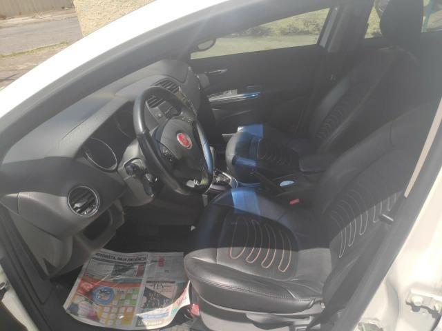 Fiat Bravo 1.8 Essence Dualogic 2012 em excelente estado de conservação - Foto 2