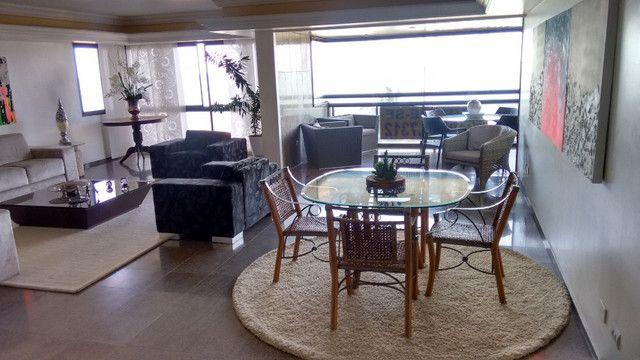 Apartamento em Boa Viagem, Queiroz Galvão, 4 quartos na melhor área da Avenida - Foto 3