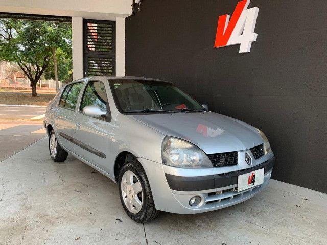 Renault Clio Sedan Privilege 1.6 2004/05