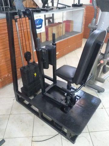 Equipamentos de Musculação Semi novos Profissionais - Foto 5