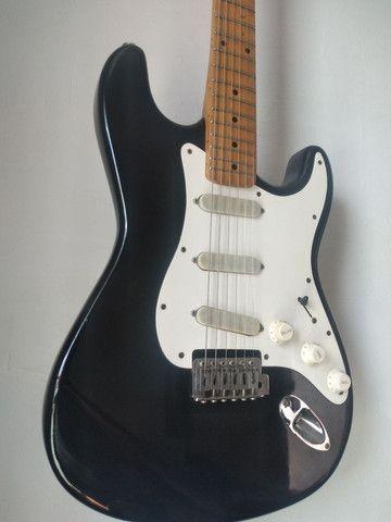 O F E R T A!!! Guitarra Giannini Stratosonic 1990. Aceito trocas e cartão de crédito  - Foto 2