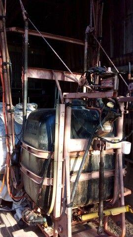 Pulverizador Jacto de 600 Litros  - Foto 4