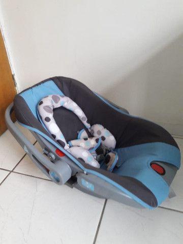 Carrinho com bebê conforto menino - Foto 4