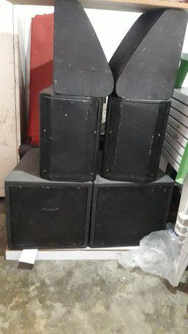 6 caixas de som .bem conservado. Pra monta um som de qualidade.