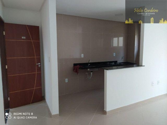 Apartamento térreo nos Bancários com 2 quartos, sendo 1 suíte e área privativa - Foto 7