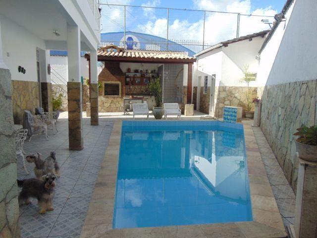 Casa com piscina - 4 quartos - 4 garagens - Bonfim