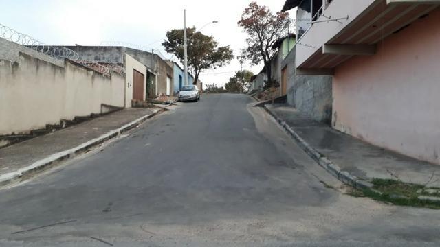 Terreno planissimo, murado, de esquina , 15 metros frente para Rua - 120 Mil - Foto 7