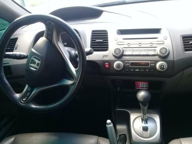 Civic 2011 LXL automatico top de linha baixa km - Foto 6