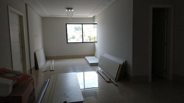 Belíssimo Ap. (3 suites) a venda, no bairro Candeias, Vitória da Conquista - BA - Foto 3