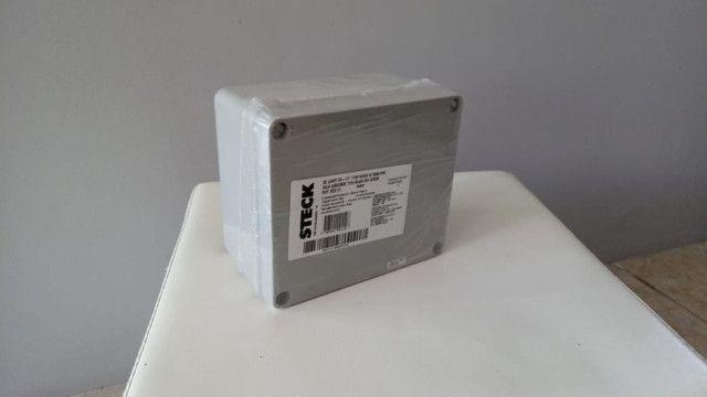 Caixa em termoplástico de sobrepor, dim. 170x145x90, Steck