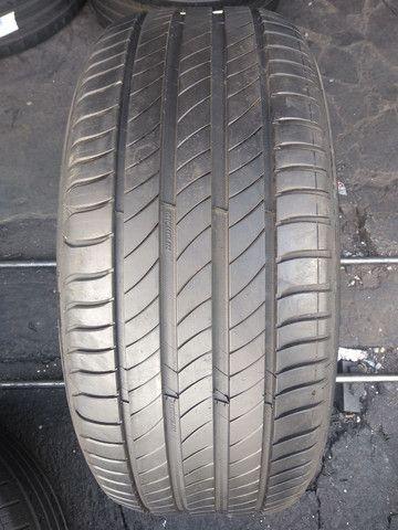1 pneu 235/45 aro 18, Michelin, pouco uso