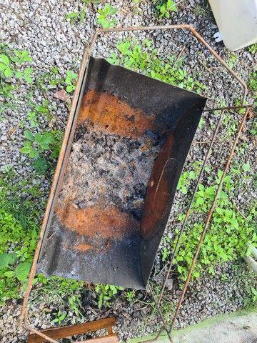 Churrasqueira latão a carvão. - Foto 2