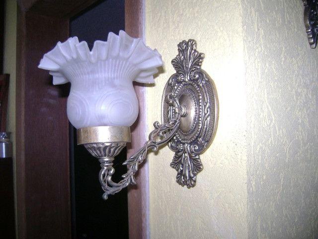 Arandelas be bronze uma e duas lampadas leia