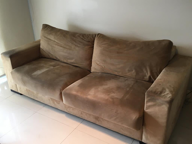Sofá confortável em suede 2.22m - Foto 2