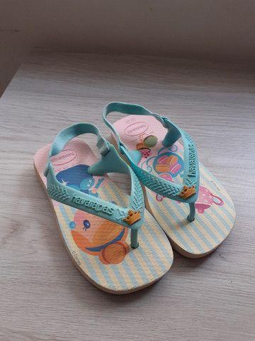 Mini sandália havaianas cinderela