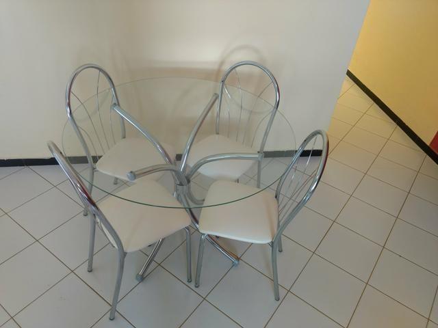 Vendo conjunto sala de jantar bem conservada
