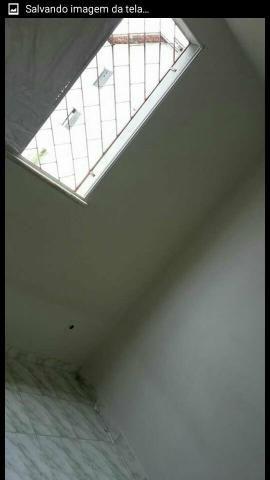 Aluga-se apartamento R$ 700 com condomínio