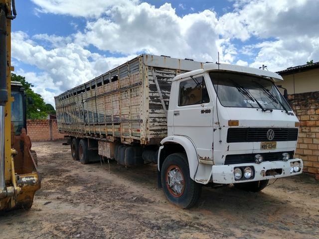 Vendo ou troco Caminhão boiadeiro