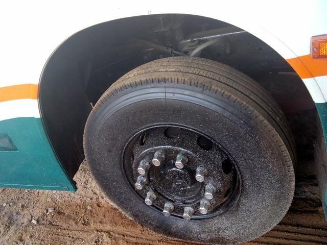 Vendo troco em um mais novo Scania dianteiro ar WC 6 pneus 2 cobertos   - Foto 4