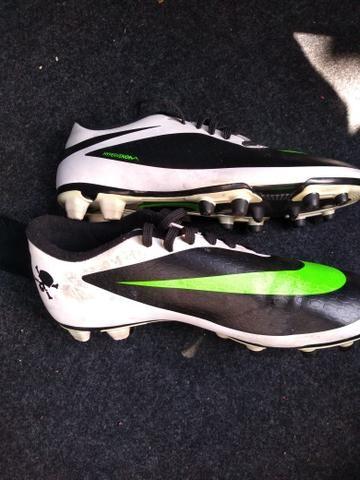 Chuteira de cravo da Nike - Roupas e calçados - Jardim Oriental 5f8fe9224b2c2