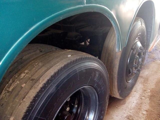 Vendo troco em um mais novo Scania dianteiro ar WC 6 pneus 2 cobertos   - Foto 5