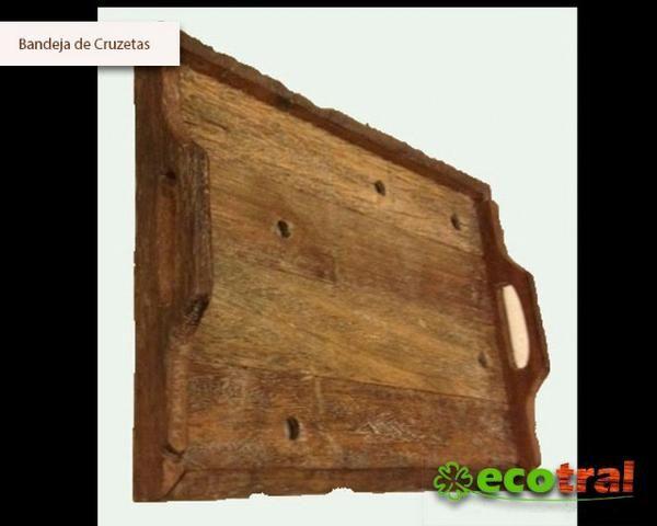 Bandeja de madeira rustica