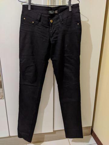 Calça jeans preta tam 36