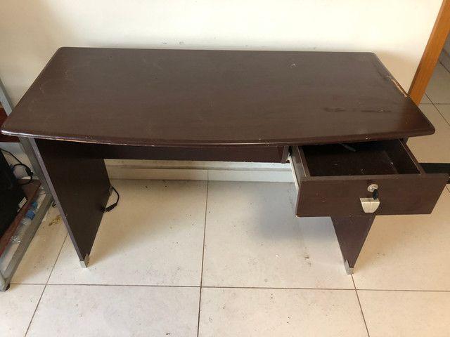 Escrivaninha com gaveta de cadeado - Foto 2
