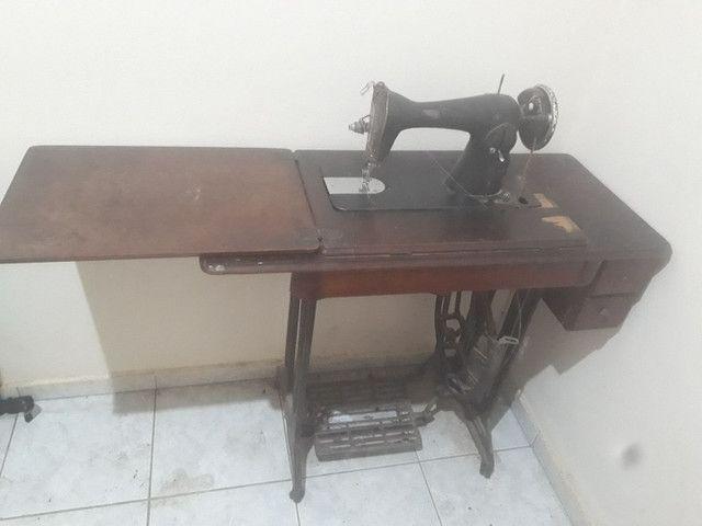 Máquina de costura antiga - Foto 2