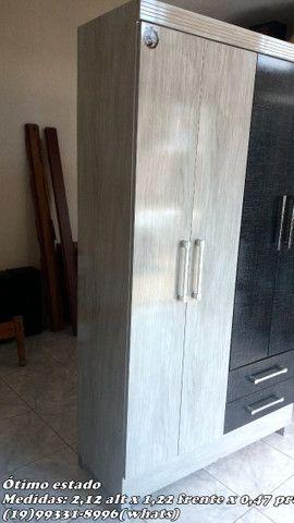 Guarda roupa com pés 04 portas/02 gavetas - Foto 5