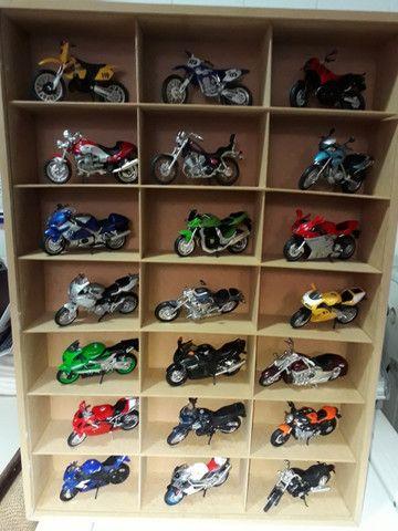 Coleção de 21 miniaturas de motos da Maisto