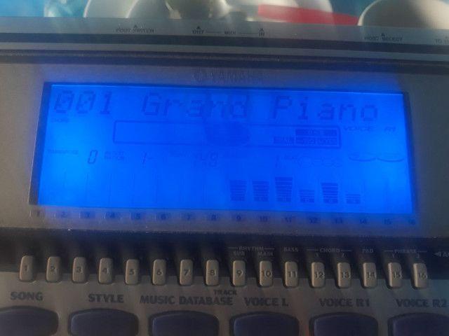 Teclado super conservado perfeito e só ver a foto Yamaha psr550 - Foto 5