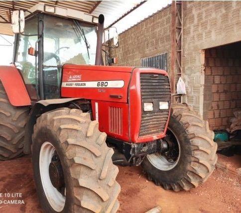 Trator massey fergunson680   ano: 2003