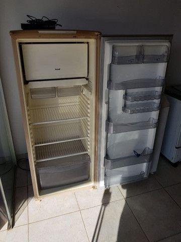 Uma geladeira cônsul original de fabrica - Foto 4
