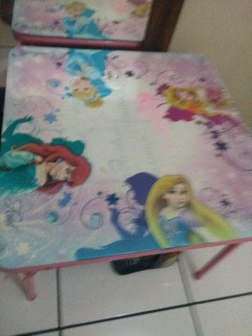 Mesa infantil das princesas