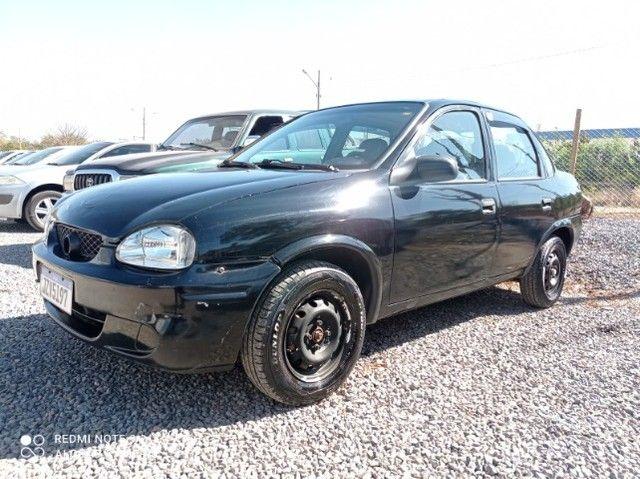 Vende-se Corsa Sedã 2003