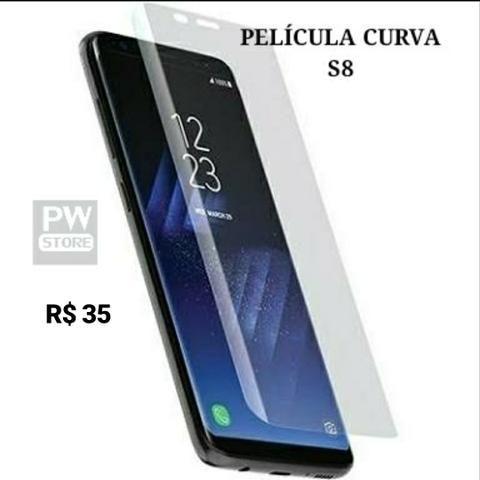 Película curva S8