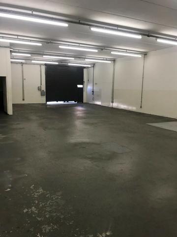 Excelente galpão com 654 m2 AC, excelente ponto comercial e industrial - Foto 6