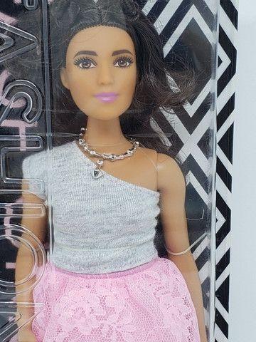 Boneca Barbie Fashionista 65 - Curvy - Foto 4