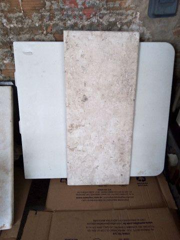 Pedra de mármore 250,00 pedra menor 100,00 pia de banheiro 300,00 fogão 250,00