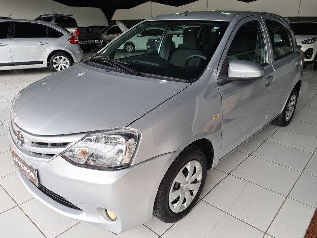 Toyota Etios 1.3X Completo + Multimidia / 2014 ! - Foto 3