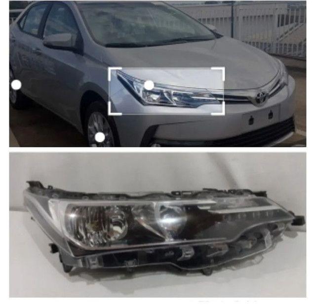 Farol lado direito do Toyota Corolla  2018 Máscara Negra