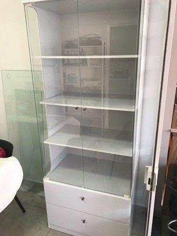 Cristaleira 2 portas e 2 gavetas - Branca