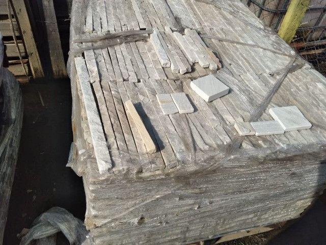 Filete para Parede modelo Prensa Pedra Natural São Tomé Branca - Foto 4
