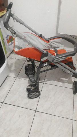 Carrinho de bebê estilo guarda chuva sem proteção de sol  - Foto 2