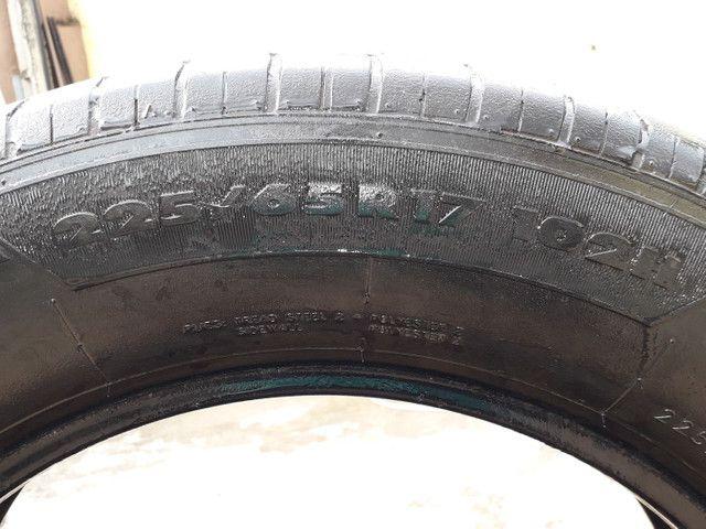 Vendo pneus aro 17 semi novos  - Foto 4