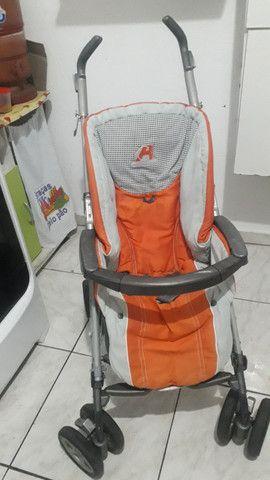 Carrinho de bebê estilo guarda chuva sem proteção de sol